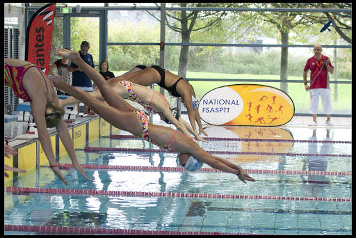 L 39 open national les belles promesses des nageurs du c e for Piscine jules verne