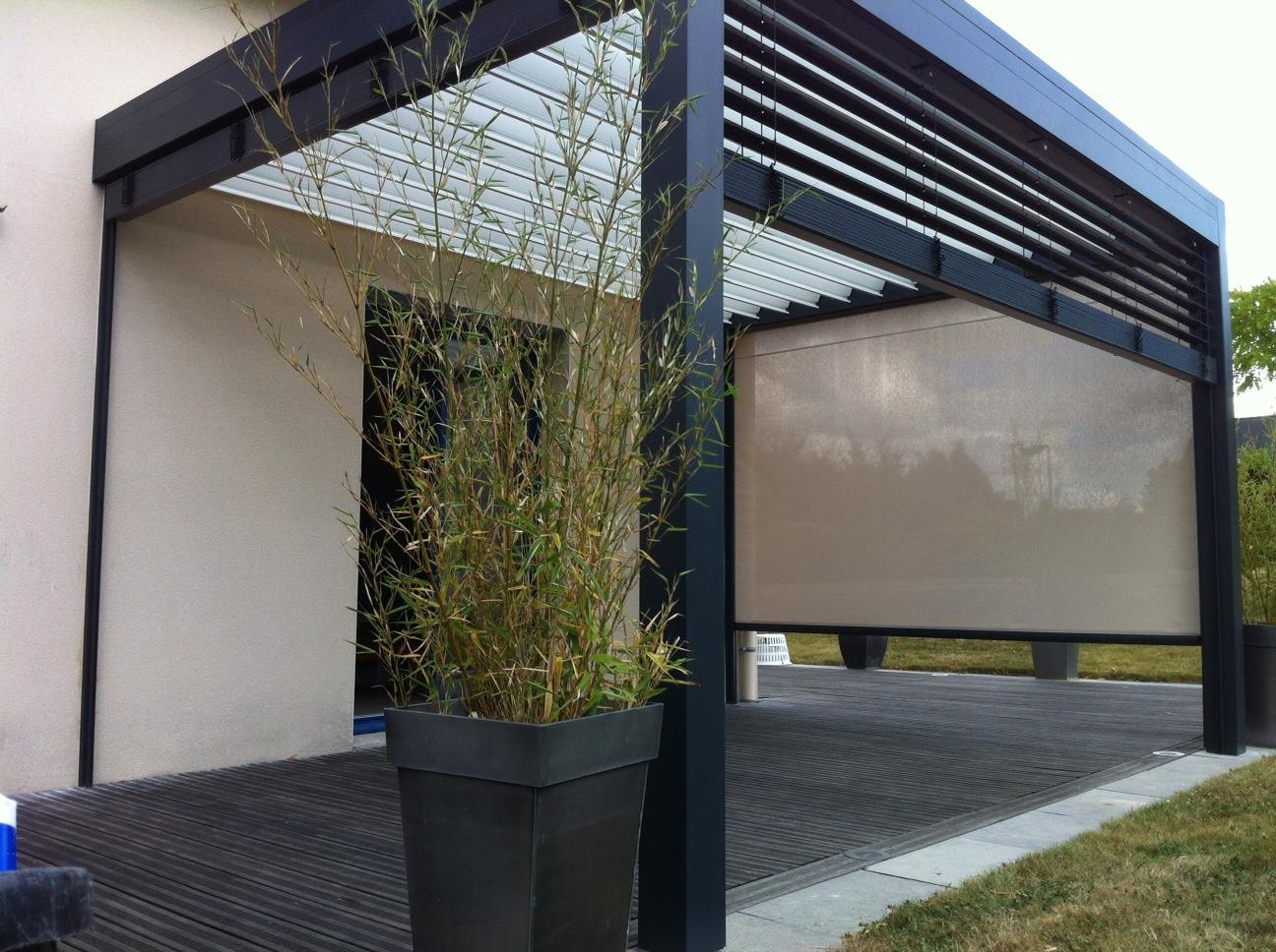 stores bannes et pergolas bioclimatique menuiserie ava 44. Black Bedroom Furniture Sets. Home Design Ideas